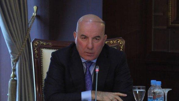 """""""Manatın möhkəmlənməsi üçün səbəb yoxdur"""" – Elman Rüstəmov"""