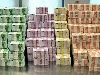 Кто завез в Баку 16 миллиардов евро?