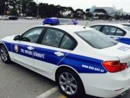 Полиция проверяет автомобили на въездах в Баку