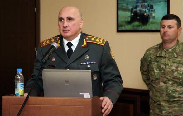 Азербайджан объявил, что приостанавливает военные операции вКарабахе