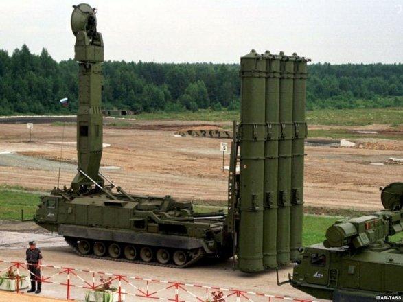 РФ поставила Ирану первую партию С-300