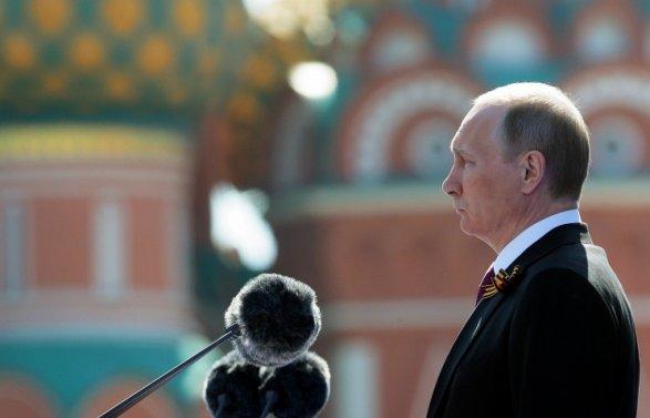 Владимир Путин поздравил глав стран СНГ сгодовщиной Победы