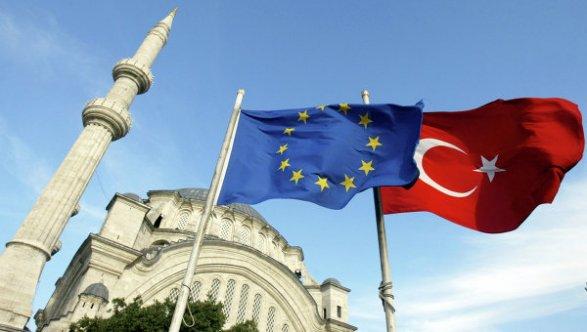 Турция выполнила свыше 60 обязательств для отмены виз с ЕС (эксклюзив)