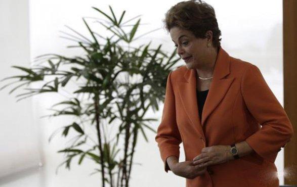 ВБразилии Сенат отстранил президента отвласти— Дело обимпичменте