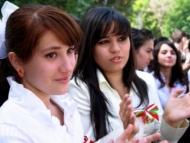 В Таджикистане запретили последний звонок