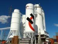 Крупнейший производитель цемента судится со строительной компанией