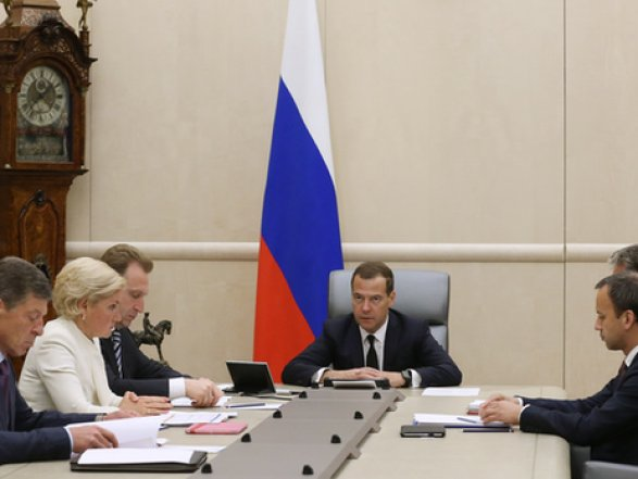 Медведев: Российская Федерация продлит продуктовое эмбарго до 2017г.
