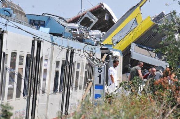 Стали известны новые детали столкновения поездов наюге Италии