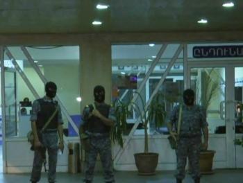 Повстанцы взяли в заложники врачей