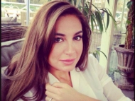 Младшая дочь Ильхама Алиева снимает новый фильм про нефть