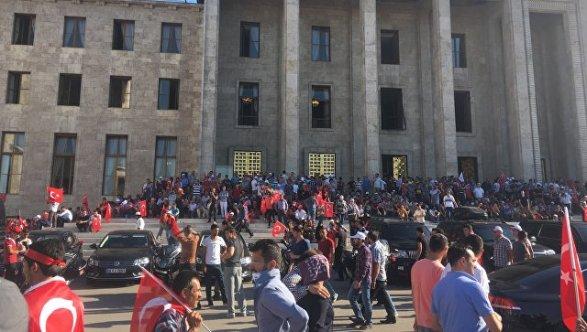 Милиция обыскала здания судов вСтамбуле всвязи спопыткой путча