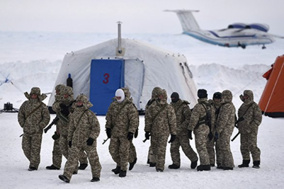 Вледниках Гренландии «всплыла» военная база США— Большой американский секрет