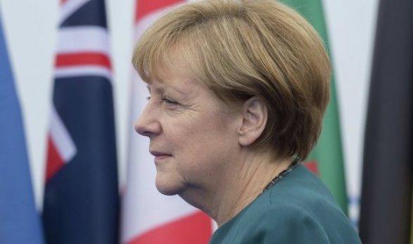 Меркель: Исламский терроризм вГерманию принесли небеженцы