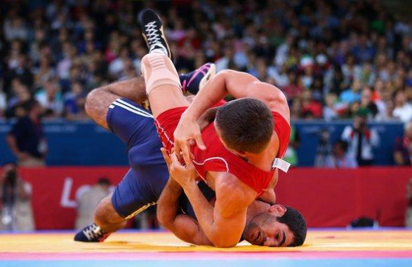 Русский борец Аниуар Гедуев взял «серебро» наОлимпийских играх вРио-де-Жанейро