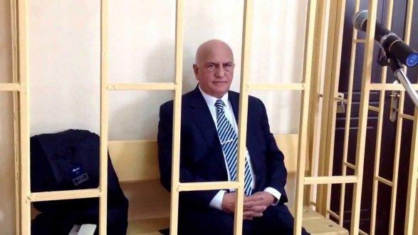 Экс-министра здравоохранения вновь обвиняют в злодеянии