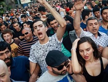 Карабах раскалывает Армению
