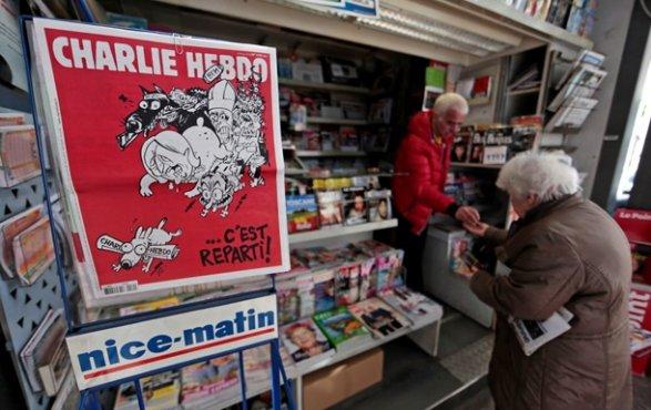 Charlie Hebdo высмеял землетрясение вИталии