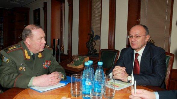 Руководитель Минобороны Армении объявил, что откажется отпоста генерального секретаря ОДКБ