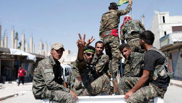 Эрдоган обвинил США вснабжении курдов вооружением