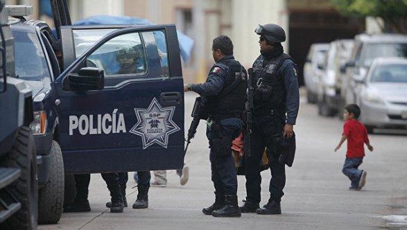 Шесть наркоторговцев найдены живыми, однако  сотрубленными руками вМексике