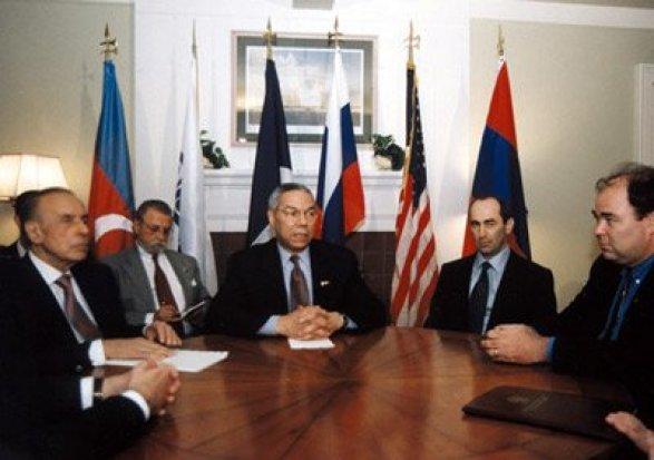 Экс-глава СВР раскрыл детали переговоров Алиева и Кочаряна