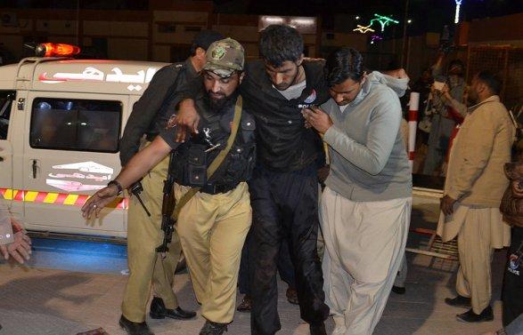 Պակիստանում գրավել են ոստիկանական ակադեմիան. կան տասնյակ վիրավորներ