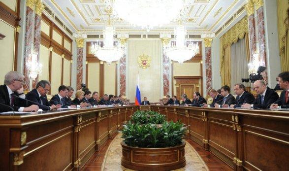 РФпланирует реализовать 8% «Алросы» и25% РЖД