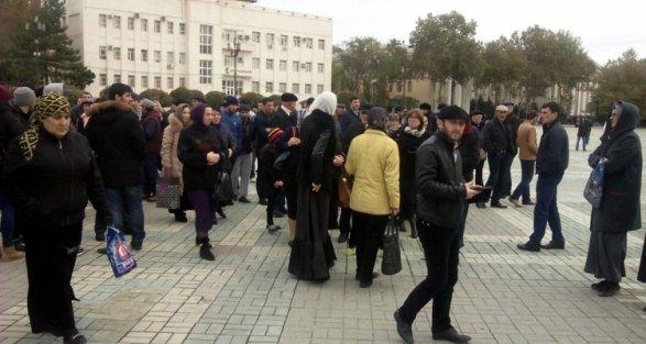 ВМахачкале задержаны участники митинга заотставку главы города