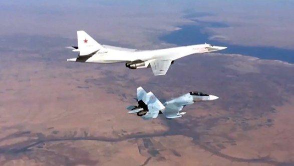 ВоенныеРФ иСША обсудили безопасность полетов внебе над Сирией