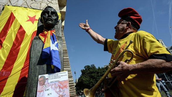 ВИспании арестовали главы города, отказавшегося снять каталонский флаг здесь вам неэстелада
