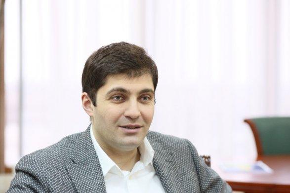 Саакашвили ответил наоскорбления Медведева, который назвал его «обгадившимся пассажиром»
