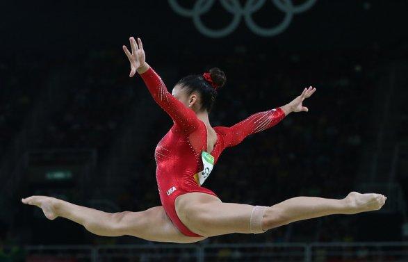 Прошлый доктор сборной США погимнастике обвинен визнасиловании несовершеннолетних