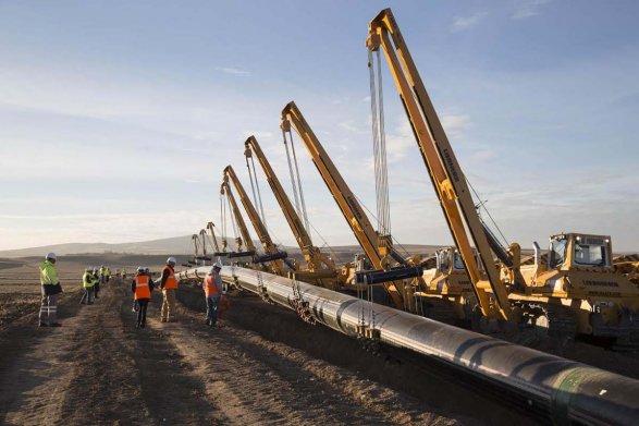 Премьер несчитает рискованным реализацию 25% акций грузинского газопровода Азербайджану