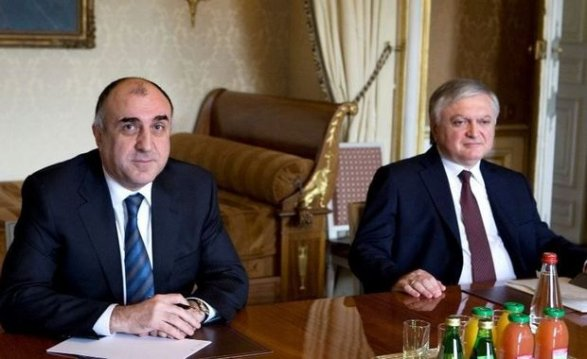 Руководителя МИД Азербайджана иАрмении поужинали спосредниками поКарабаху