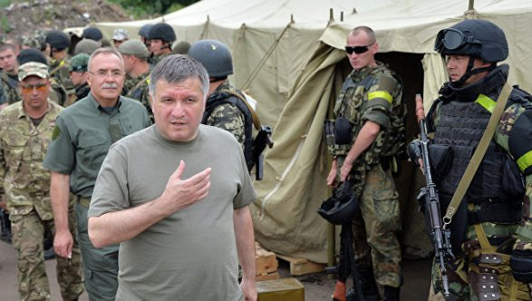 Луценко: Следственные экспертизы относительно событий вКняжичах продлятся месяц-полтора