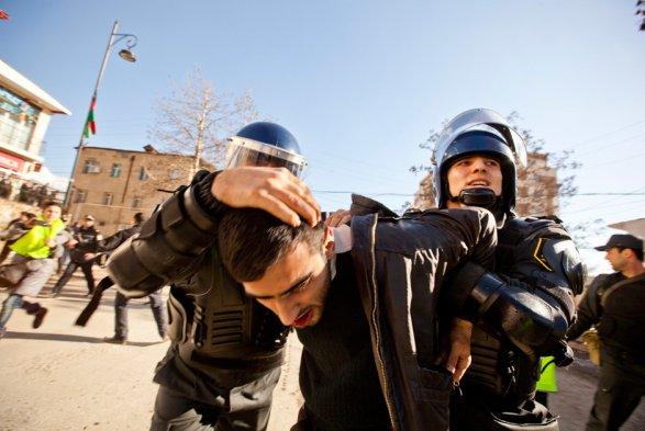 ВБилясуварском районе работники милиции пострадали впроцессе беспорядков