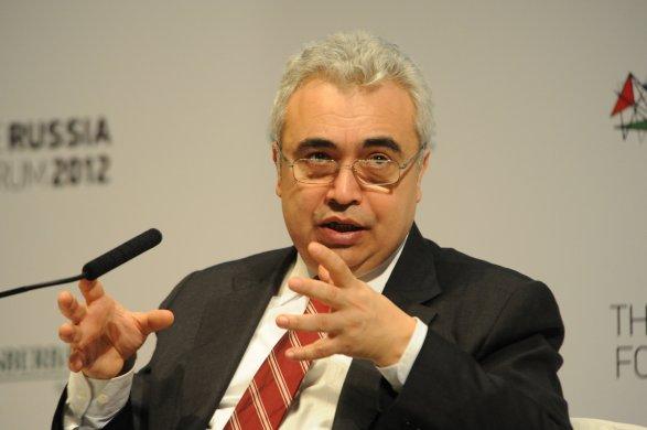 Азербайджан начнет сокращение добычи с1-го января