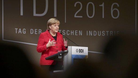 Меркель как ираньше пользуется доверием большинства германцев — Опрос