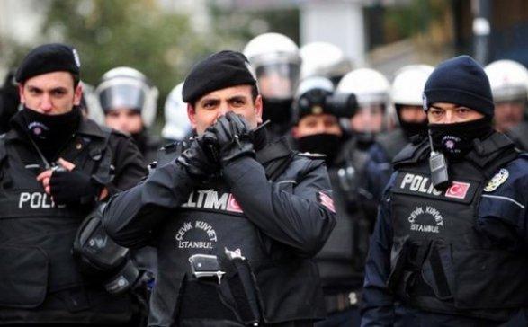 Полиция Турции задержала двух сотрудников холдинга Dogan входе обысков