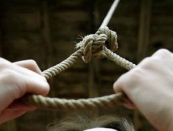 18-летний пастух повесился в Нефтчале