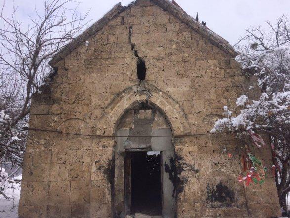 В Огузе разрушается албанский церковь