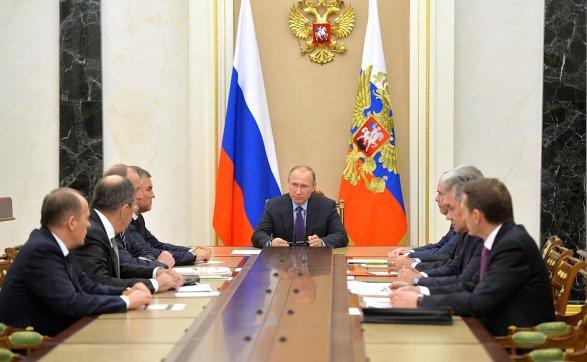 Владимир Путин обсудил сСовбезом результаты переговоров вАстане