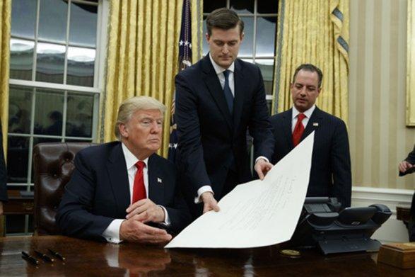 Посольства США приостанавливают выдачу виз гражданам некоторых стран