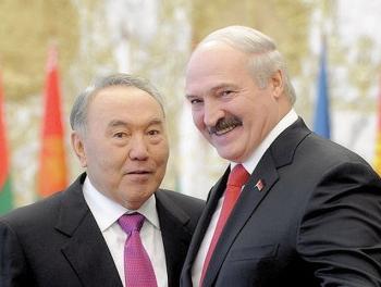 Назарбаев позвонил Лукашенко