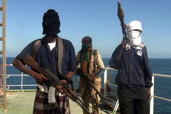 Сомалийские пираты захватили индийское судно с11 членами экипажа