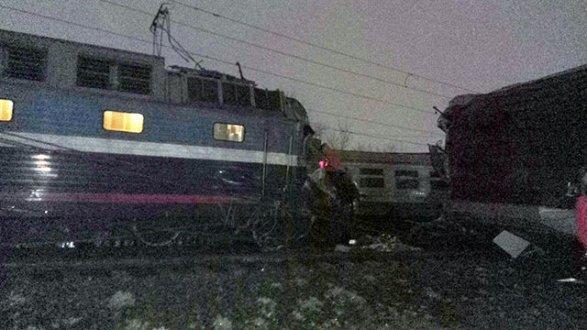 Авария нажелезной дороге в столицеРФ произошла из-за перебегавшего пути человека