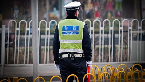 Китаянка сожгла десяток машин измести за смерть  собаки