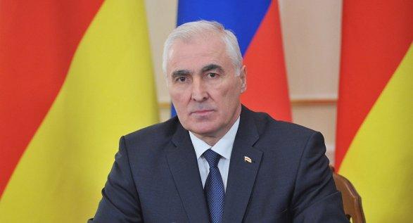 Председатель парламента Южной Осетии Анатолий Бибилов одержал победу напрезидентских выборах