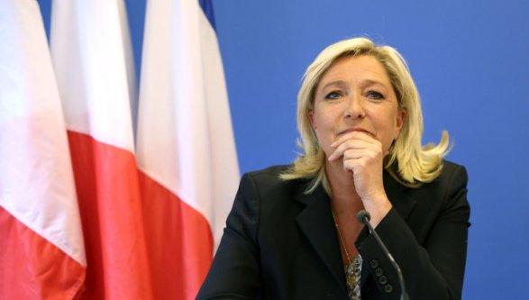 Французские следователи пробуют отнять Марин ЛеПен парламентского иммунитета