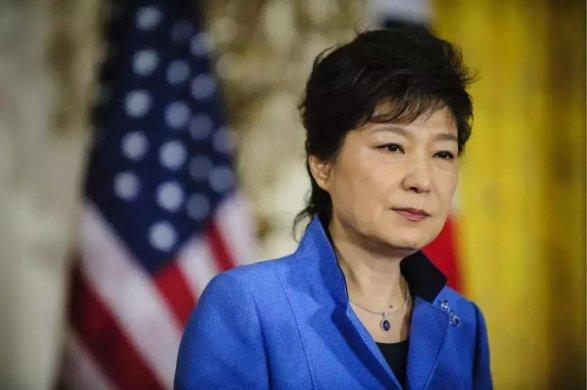 Экс-президенту Южной Кореи предъявили обвинение вкоррупции